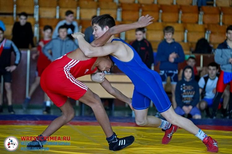 Все победители и призеры юниорского первенства Крыма по вольной борьбе