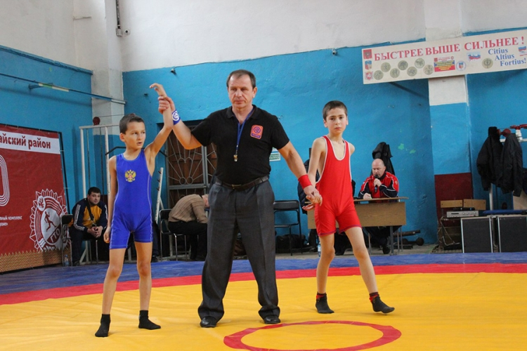 Все победители и призеры борцовского турнира в честь ветеранов бахчисарайского спорта