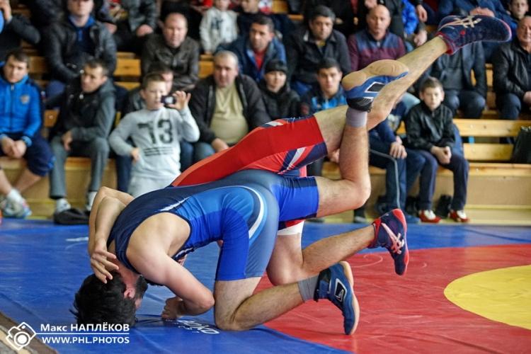 Все победители и призеры чемпионата Крыма по греко-римской борьбе