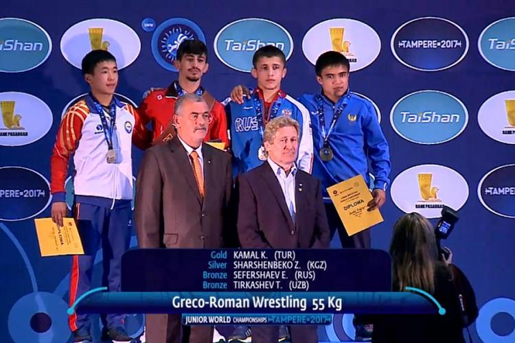 Симферополец Эмин Сефершаев – бронзовый призер первенства мира среди юниоров!