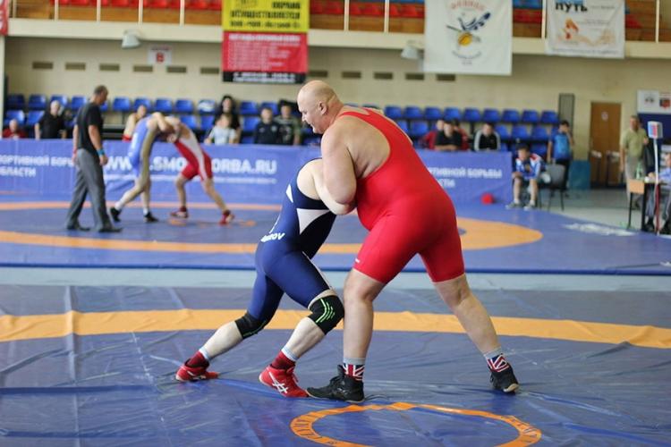 Крымских ветеранов вольной борьбы зовут на чемпионат России в Смоленск