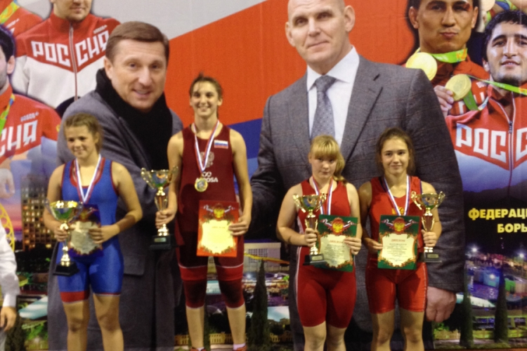 Все победители и призеры первенства ЮФО по женский борьбе среди девушек до 16 лет