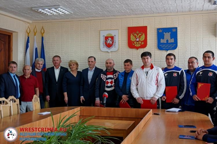 В Алуште чествовали борцов – победителей юниорских первенств России (+ФОТО)