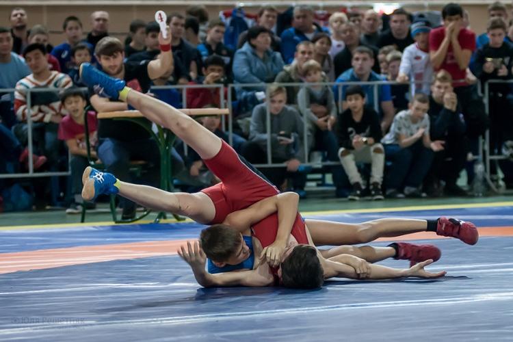 Как крымчане выступили в первенстве России по греко-римской борьбе среди юношей до 16 лет