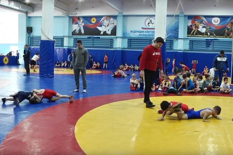 В Алуште прошел очередной День борьбы (ВИДЕО)