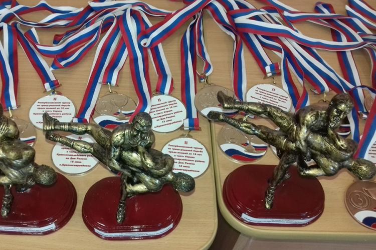 85 юных борцов приняли участие в Республиканском турнире в Красногвардейском