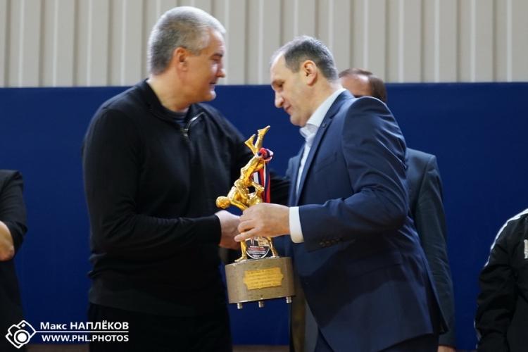 Большой фоторепортаж с борцовского турнира на призы Сергея Аксенова