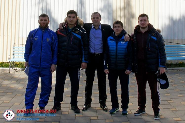Крымские борцы Эмин Сефершаев и Азамат Сеитов вызваны в юниорскую сборную России
