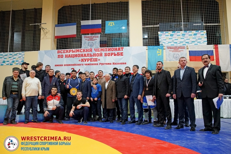 Сильнейшие борцы Крыма разыграли в Симферополе четыре автомобиля