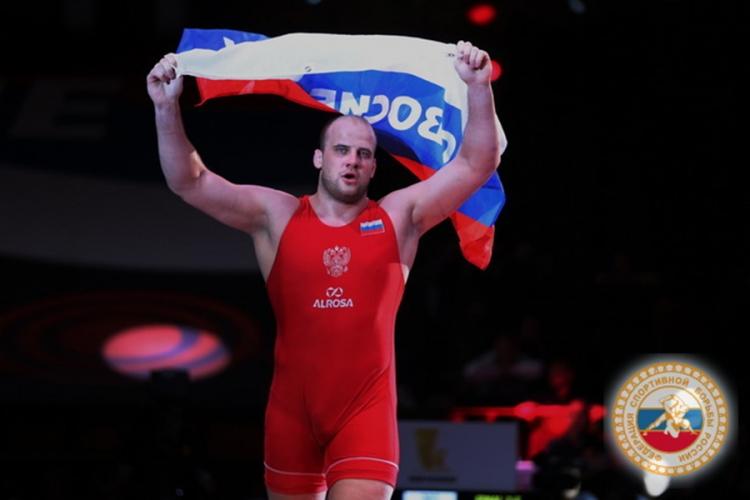 Виталий Щур заменит Сергея Семенова на чемпионате мира