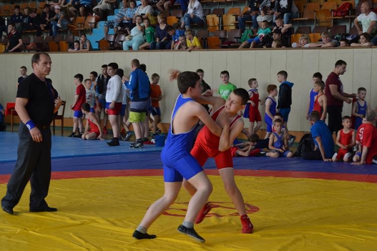 Все победители и призеры Открытого первенства Керчи по греко-римской борьбе среди юношей