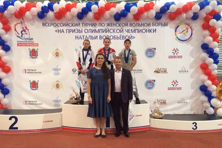 Крымские девушки успешно выступили в турнире по женской борьбе в Санкт-Петербурге