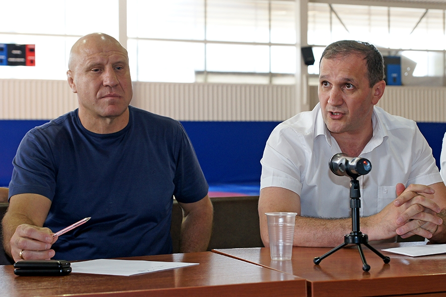 Видеосюжет о встрече Михаила Мамиашвили с активом Федерации спортивной борьбы Крыма