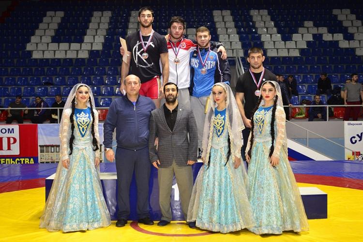 Симферополец Азамат Закуев – победитель юниорского первенства России по вольной борьбе (+ВИДЕО)