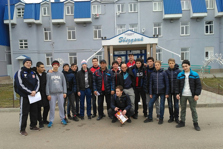 Крымские борцы-вольники завоевали десять наград в первенстве ЮФО среди юношей до 18 лет