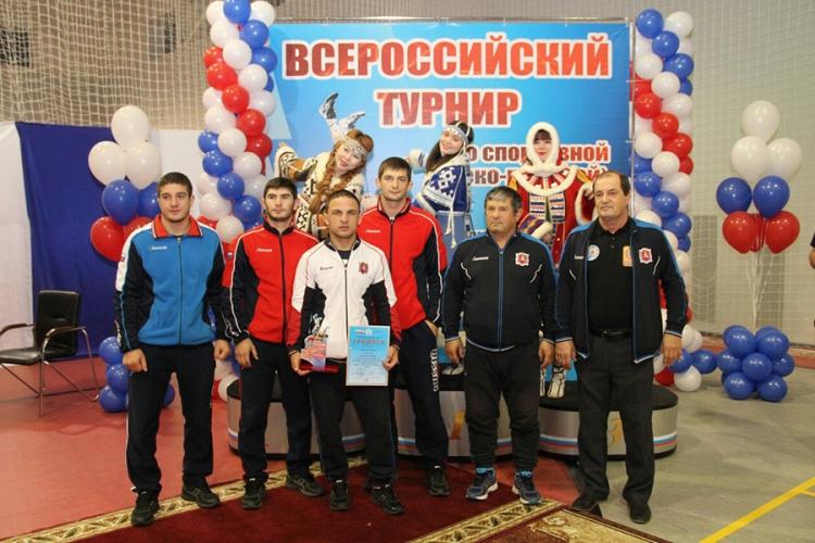 Борцы из Судака завоевали две медали на крупном турнире в ЯНАО