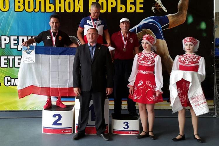 Энвер Федосов – серебряный призер чемпионата России по вольной борьбе среди ветеранов