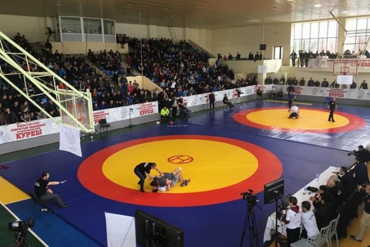 В субботу в Симферополе пройдет Всекрымский чемпионат по национальной борьбе куреш