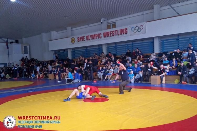 Все победители и призеры первенства Крыма по греко-римской борьбе среди младших юношей