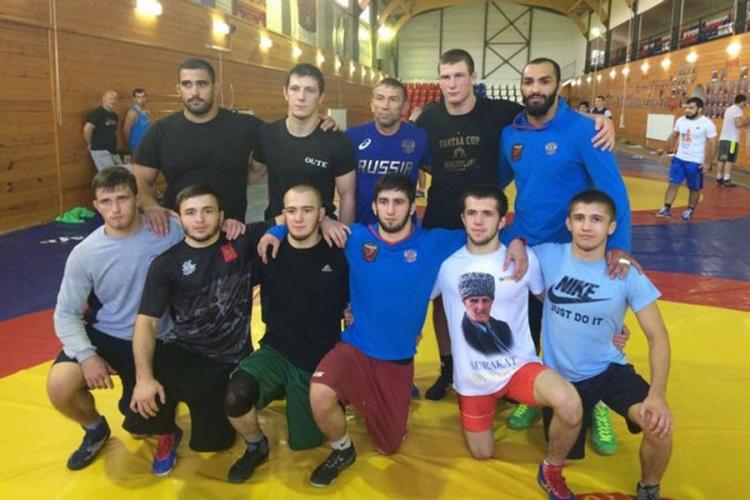 Симферопольский борец Эмин Сефершаев выступит на юниорском первенстве мира в Словакии
