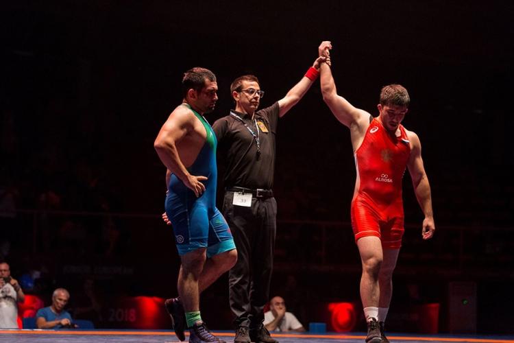 Российские борцы-классики завоевали пять медалей на юниорском первенстве Европы
