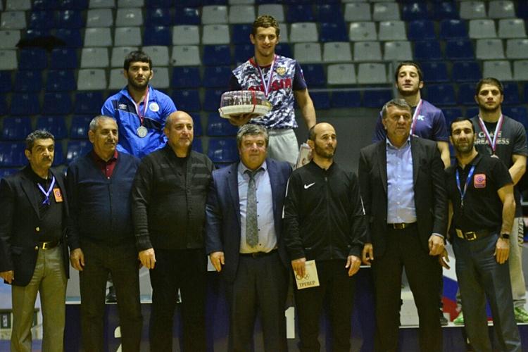 Симферополец Анзор Закуев – бронзовый призер Межконтинентального кубка по вольной борьбе!