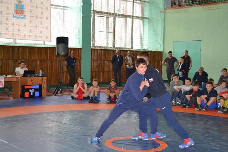 Именитый борец Адам Курак проведет мастер-класс в Симферополе