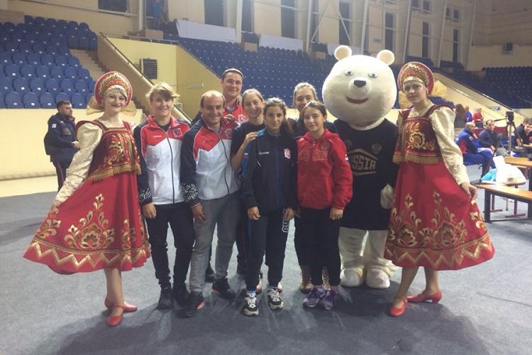 Юные крымчанки приняли участие в первенстве России по женской борьбе