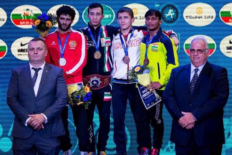 Эмин Сефершаев – бронзовый призер юниорского первенства мира по греко-римской борьбе!