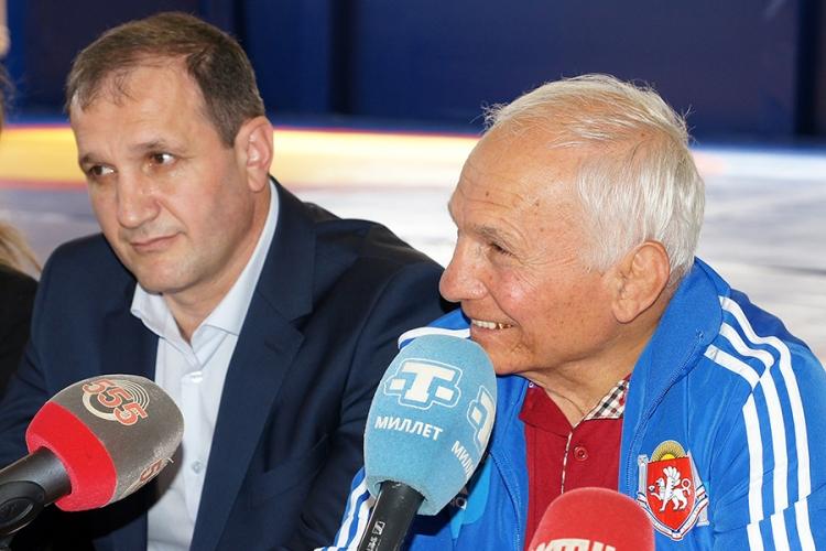 Не пропустите! Джемал Джангобегов и Рустем Казаков – на радио «Спутник в Крыму»