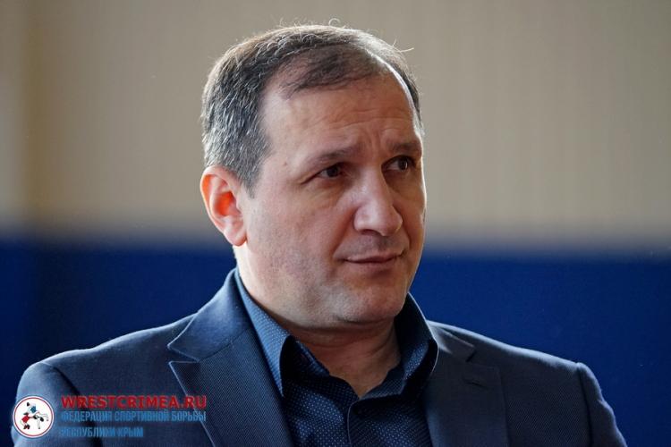 Ведущие крымские борцы будут получать стипендии от президента Федерации спортивной борьбы РК