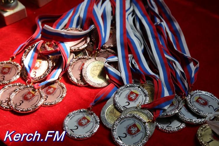 Все победители и призеры Всероссийского борцовского турнира памяти Георгия Петухова в Керчи
